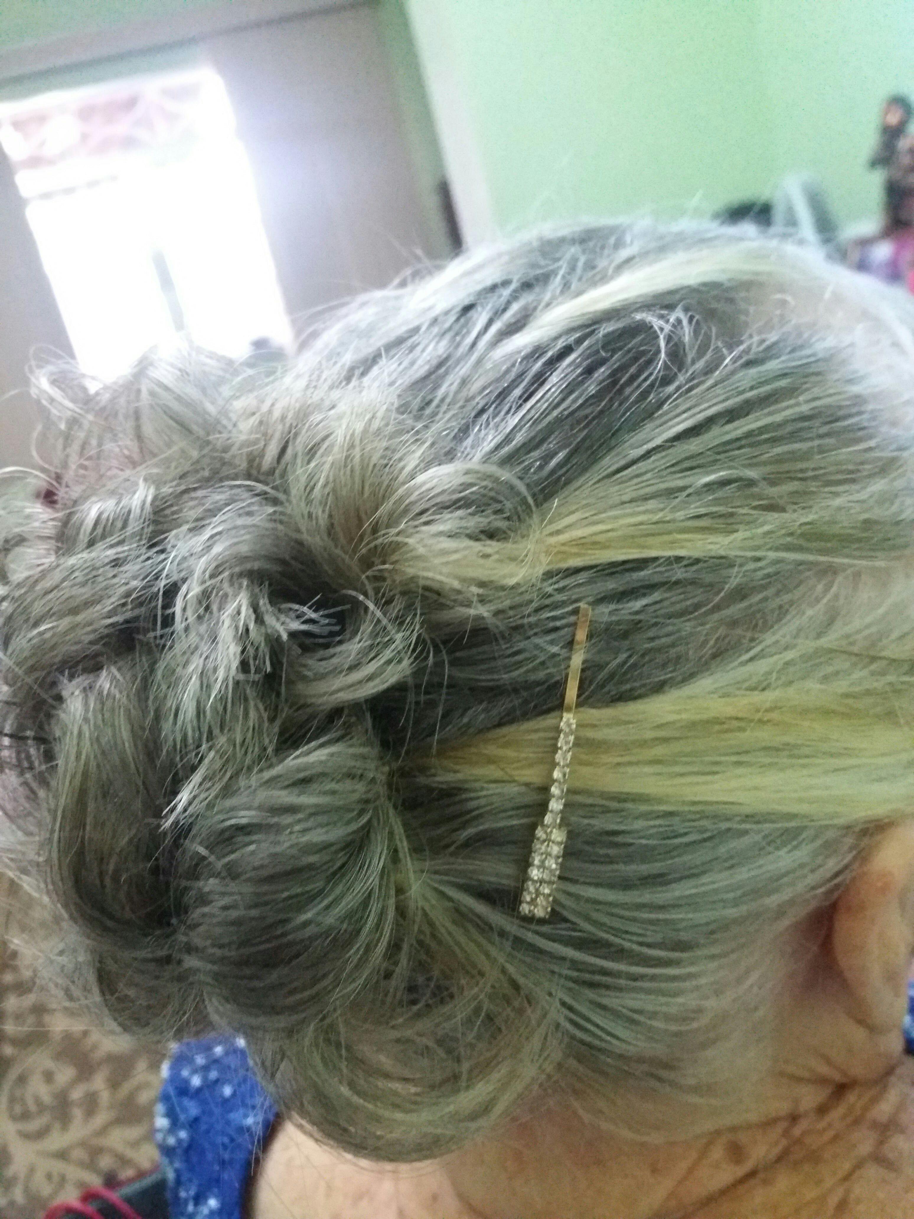 Penteado para senhora..  #cabelo #diaespecial #festa #casamento #cabelocurto cabelo manicure e pedicure maquiador(a) cabeleireiro(a) auxiliar cabeleireiro(a) escovista