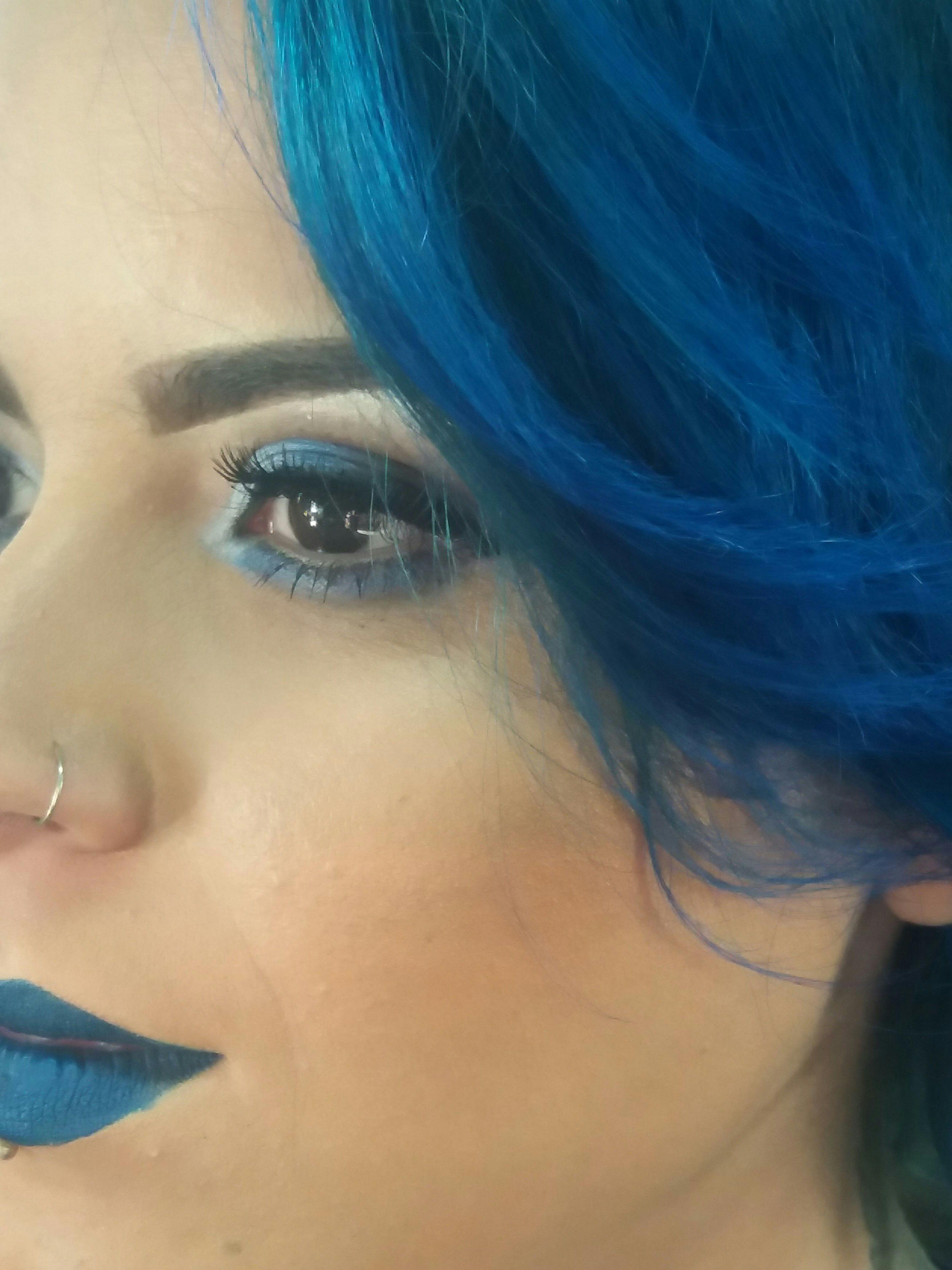 Make Azul...  #estilo #make #azul #marcante #top #arrase maquiagem manicure e pedicure maquiador(a) cabeleireiro(a) auxiliar cabeleireiro(a) escovista