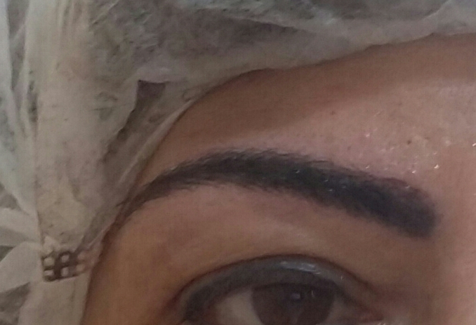 Retoque com microblanding , antes uma dermopigmentação esfumada já comprometida pelo tempo . outros dermopigmentador(a) designer de sobrancelhas cabeleireiro(a) naturólogo(a)