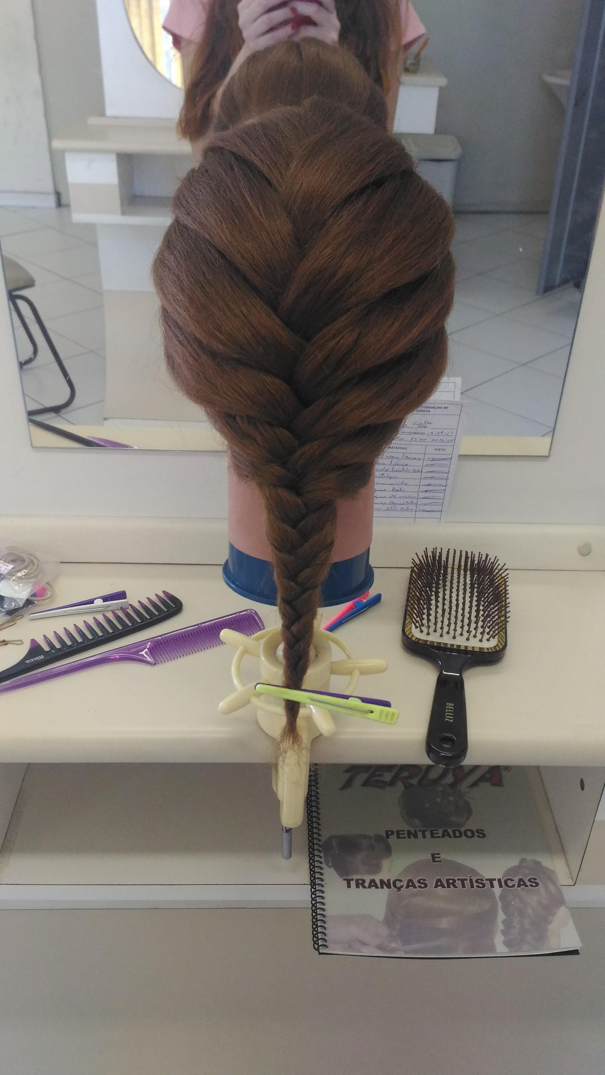 #penteado #trança cabelo estudante (esteticista) auxiliar cabeleireiro(a) estudante (designer sobrancelha) barbeiro(a) escovista cabeleireiro(a)