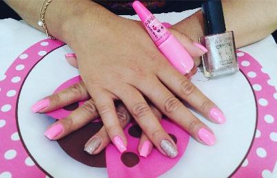 unha manicure e pedicure maquiador(a) esteticista