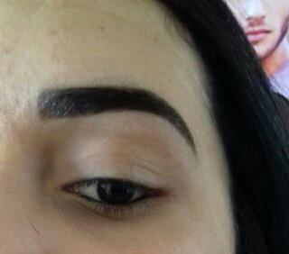 Micropigmentação (olhos) e designer de sobrancelhas com aplicação de henna outros micropigmentador(a) cabeleireiro(a) depilador(a) designer de sobrancelhas