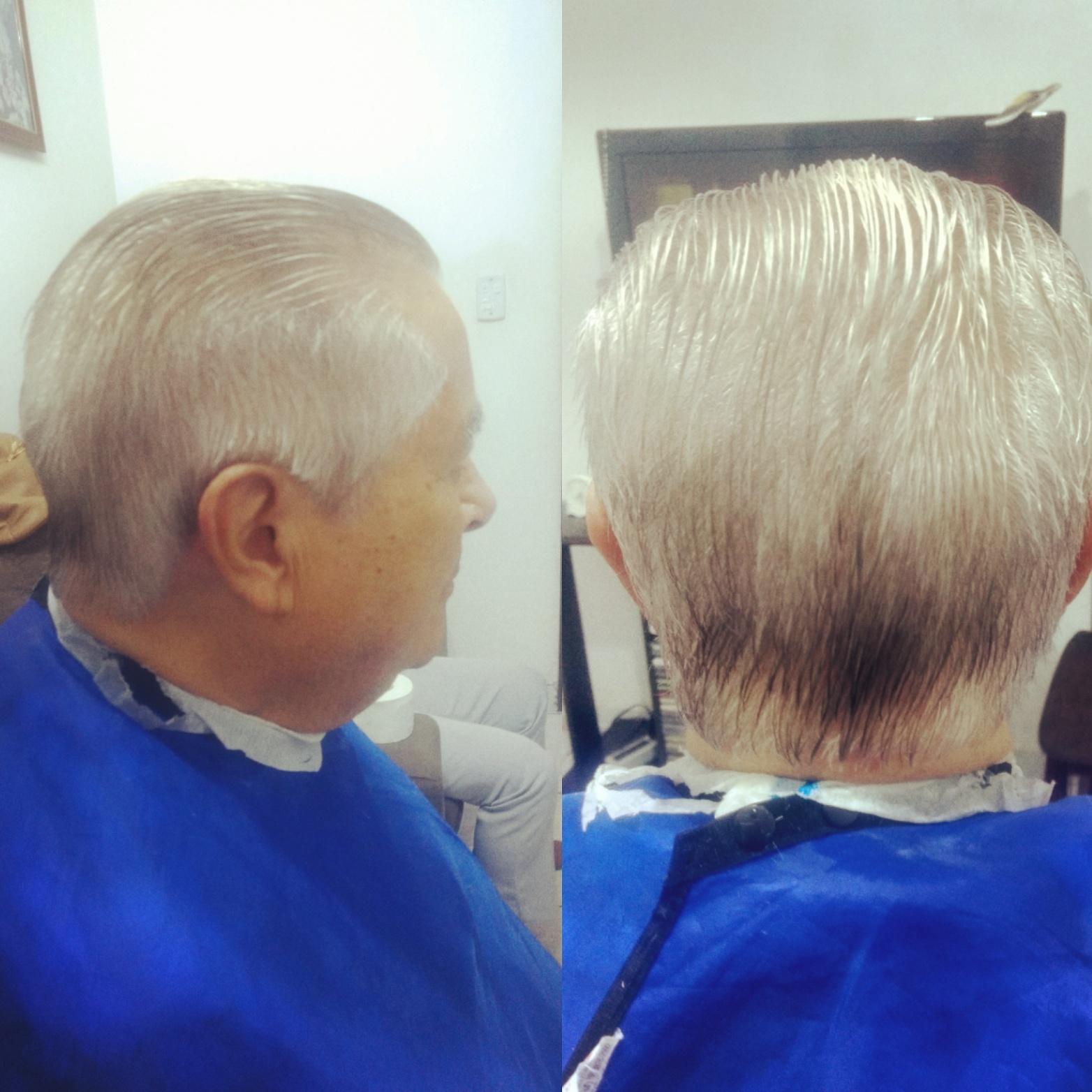 Corte na tesoura barbeiro(a)