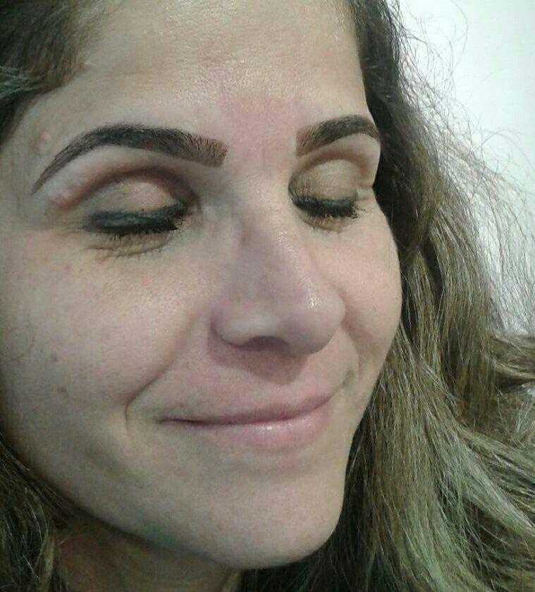outros designer de sobrancelhas manicure e pedicure