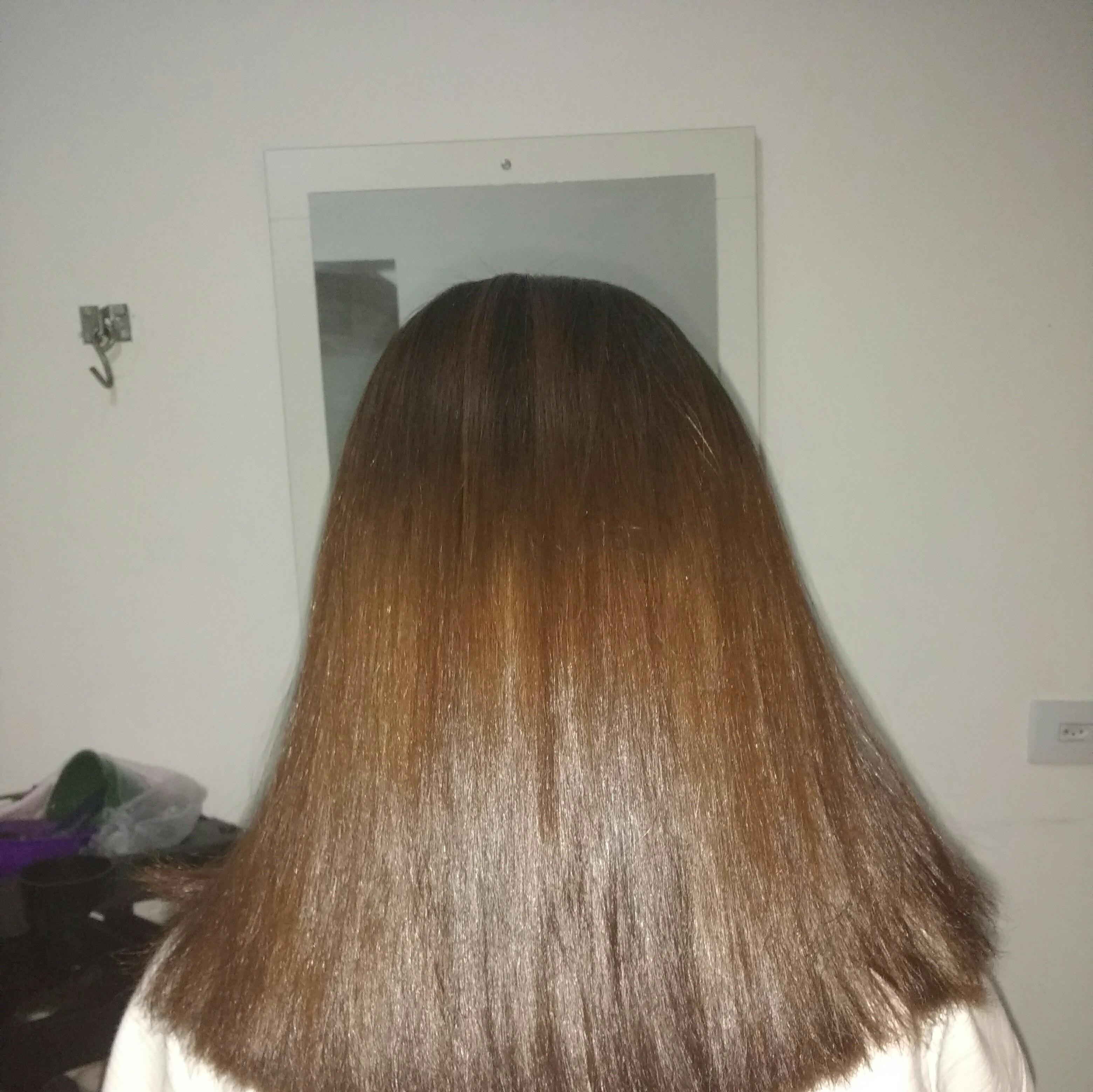 Escova.  cabelo cabeleireiro(a) auxiliar cabeleireiro(a) outros