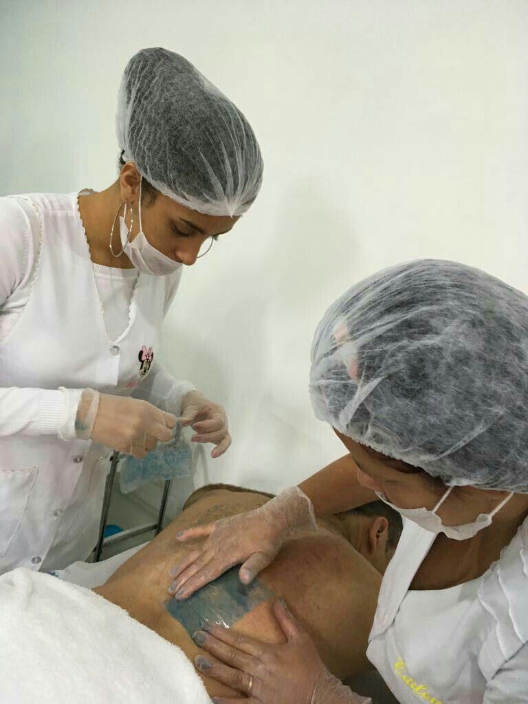 Depilação masculina ,costas, axilas, depois tratamento com argila branca para cuidar de fuliculite outros outros depilador(a)