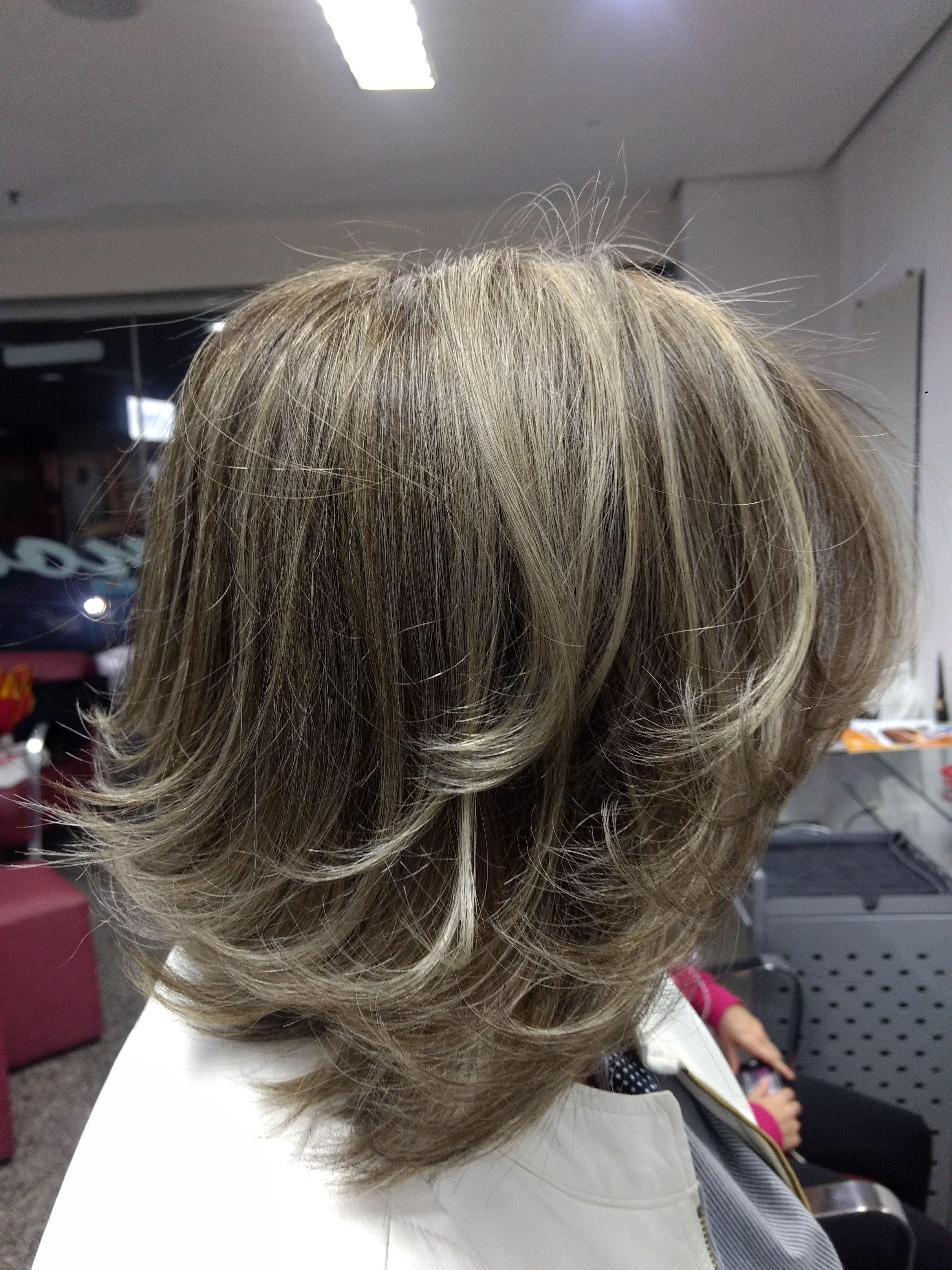 cabeleireiro(a) dermopigmentador(a) designer de sobrancelhas maquiador(a) cabeleireiro(a)