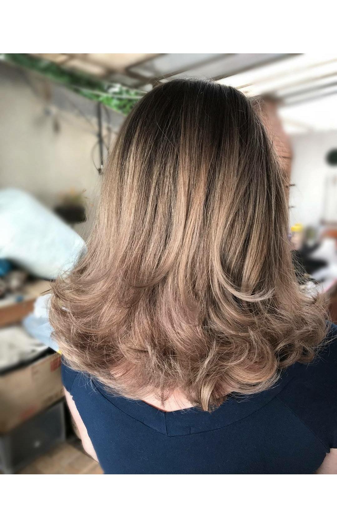 #luzes #ombrehair #ombrehighlights #haircut #chanel #blonde #hair #loirodossonhos #job #transformation #transformacao #cabelos #cabelosloiros #loirossaudaveis #loirosdivos #loirosdourados #loirosamanteigados #loirosperolados #loirosplatinados #corte cabelo cabeleireiro(a) maquiador(a) designer de sobrancelhas