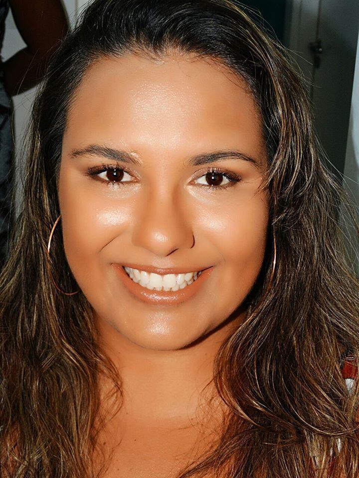 Alexandra Borges Makeup Clean maquiagem maquiador(a) consultor(a)