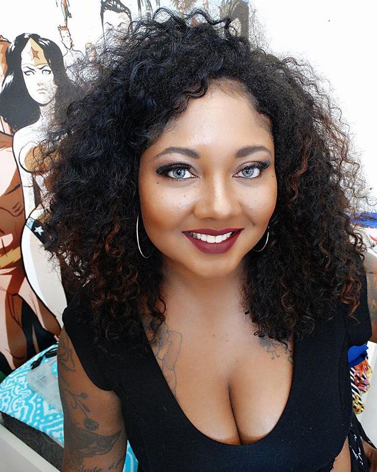 Manu Mendes Makeup: Mônica Silva Ensaio Fotográfico para Fitting for Curves maquiagem maquiador(a) consultor(a)
