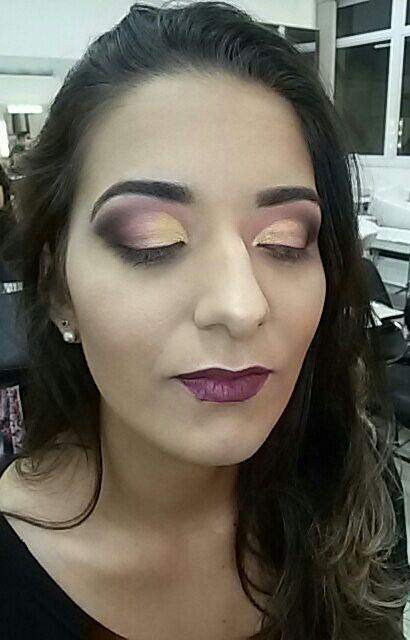 Maquiagem para foto ... estilo mais pesado!  Muita cor e contorno maquiagem maquiador(a)