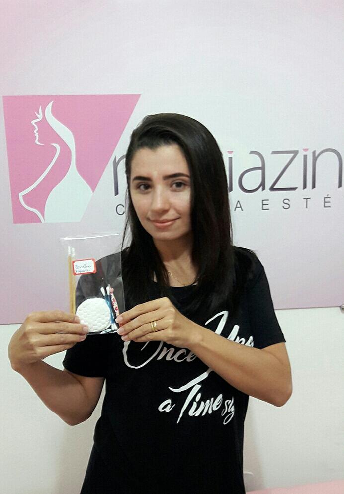 Ela aprovou o seu kit individual para design sobrancelhas   dermopigmentador(a) designer de sobrancelhas maquiador(a)