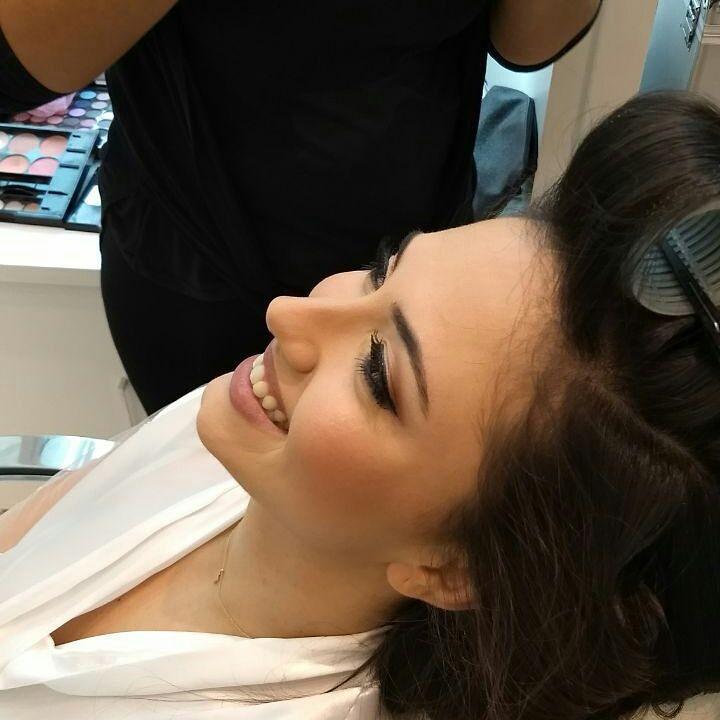 maquiagem empresário(a) cabeleireiro(a) maquiador(a)