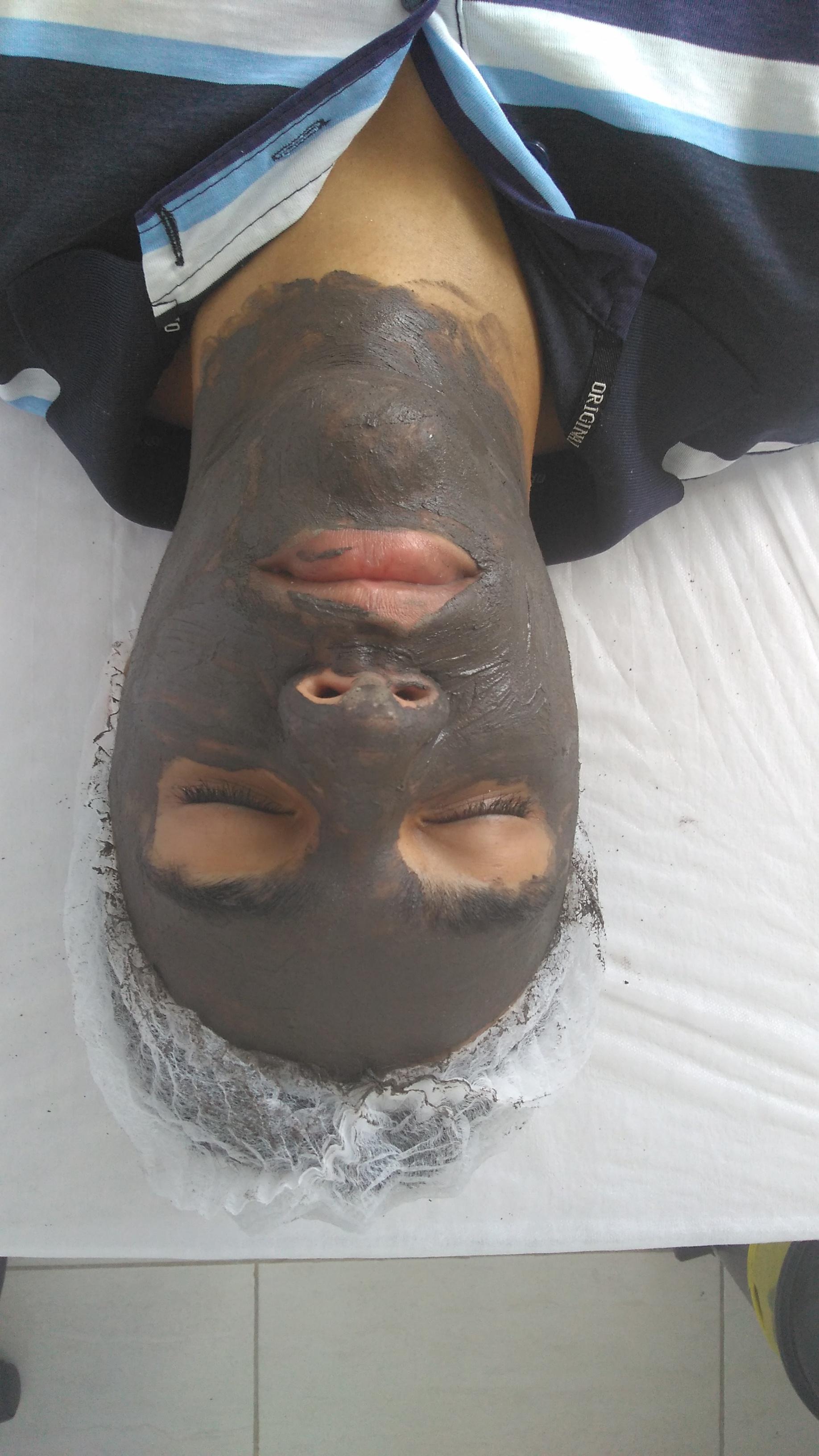 Máscara de argila verde com colágeno,para dar uma hidratada na pele e tratar a oleosidade. estética esteticista