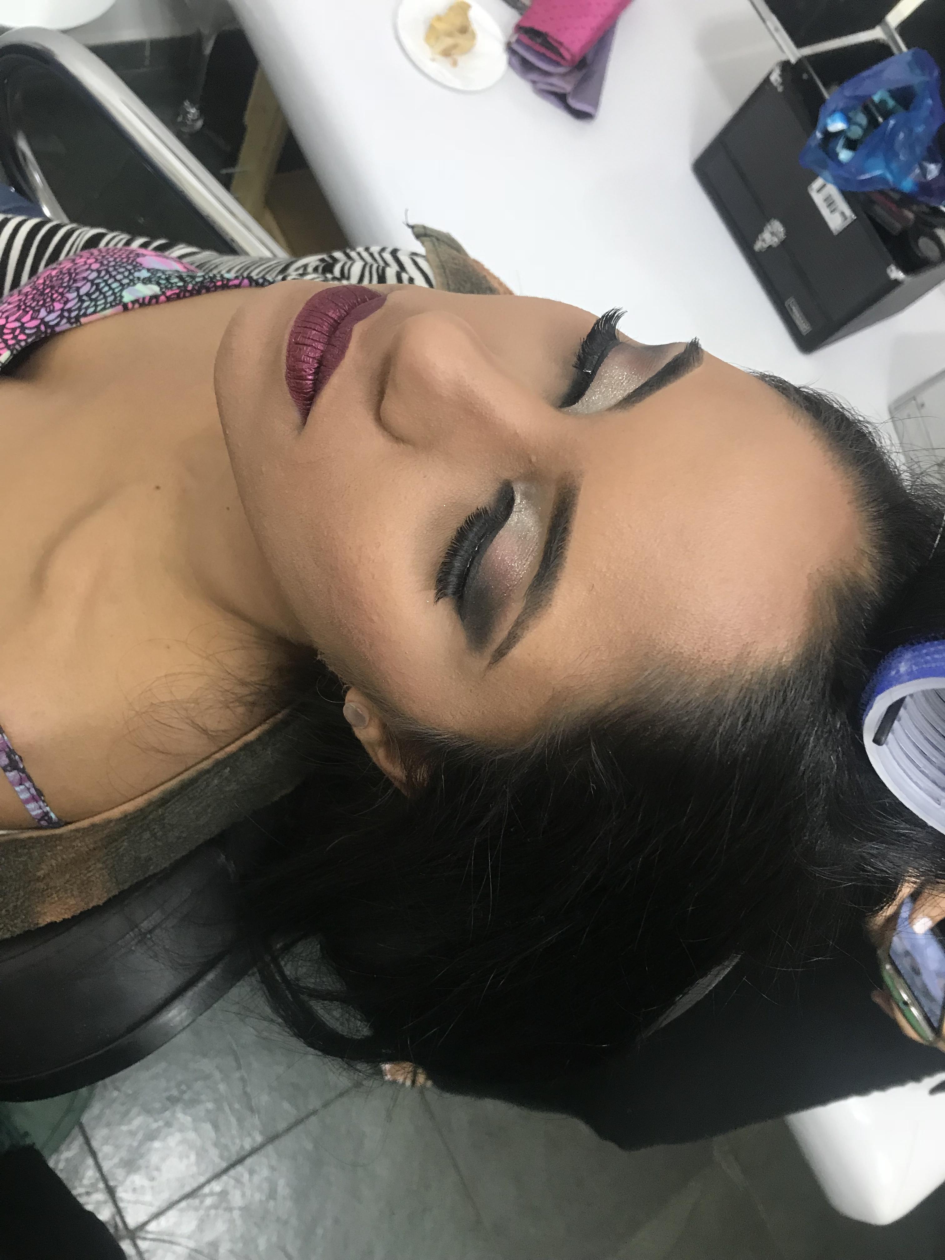 Make  maquiagem cabeleireiro(a) maquiador(a)