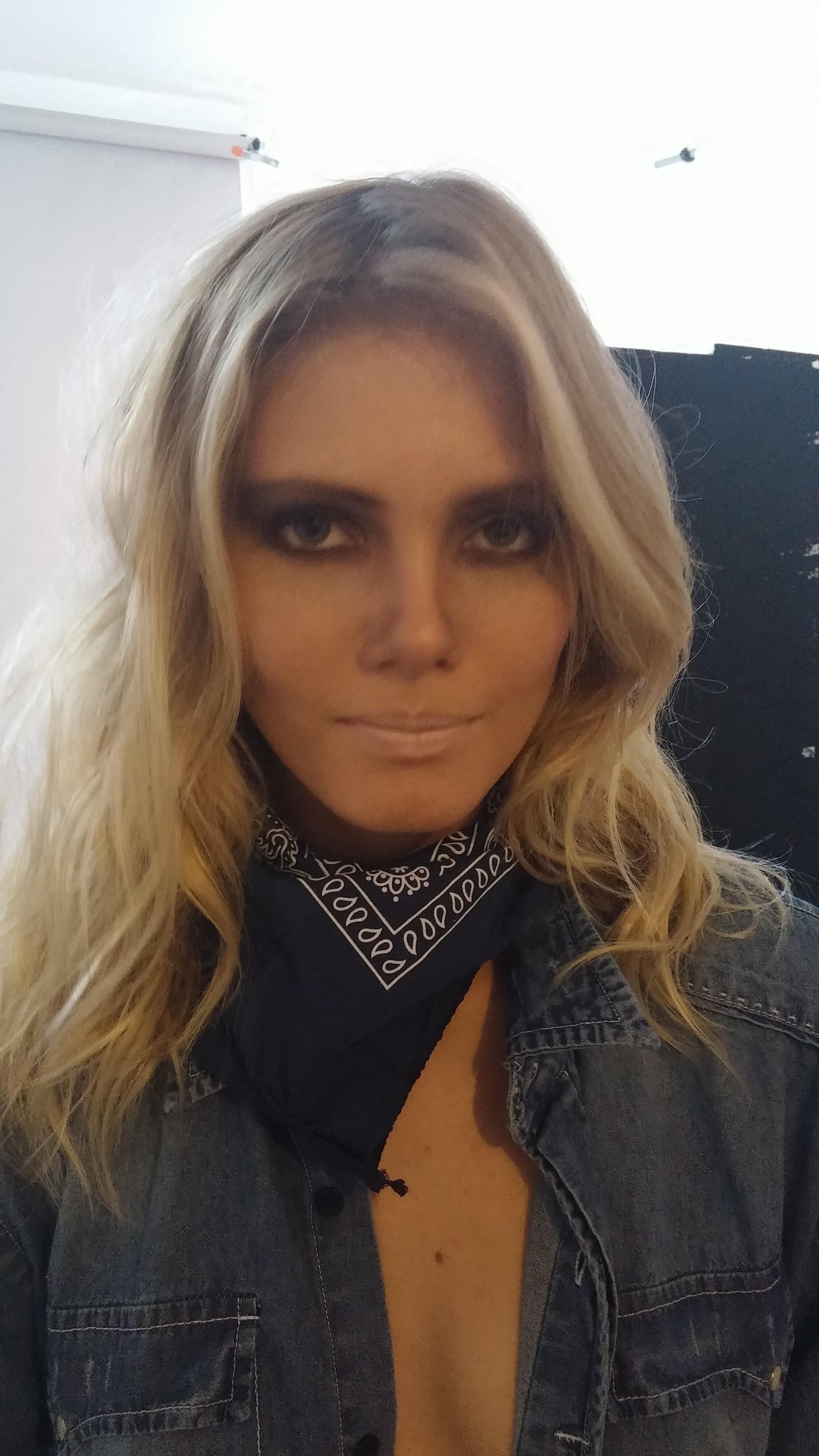 Makeup fashion  para revista Trigger maquiador(a)