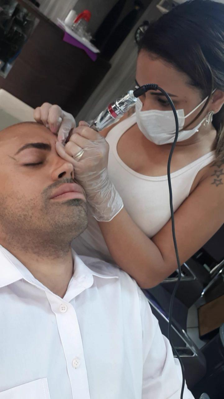 Micropigmentação fio a fio correção de cicatriz estética designer de sobrancelhas micropigmentador(a) cabeleireiro(a)