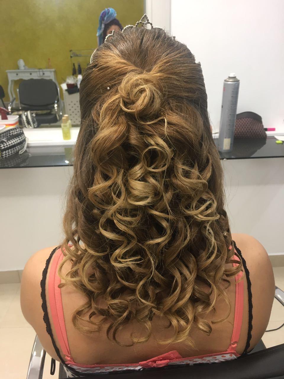 Penteado de rainha! ;)  #penteados cabelo auxiliar cabeleireiro(a) designer de sobrancelhas maquiador(a)