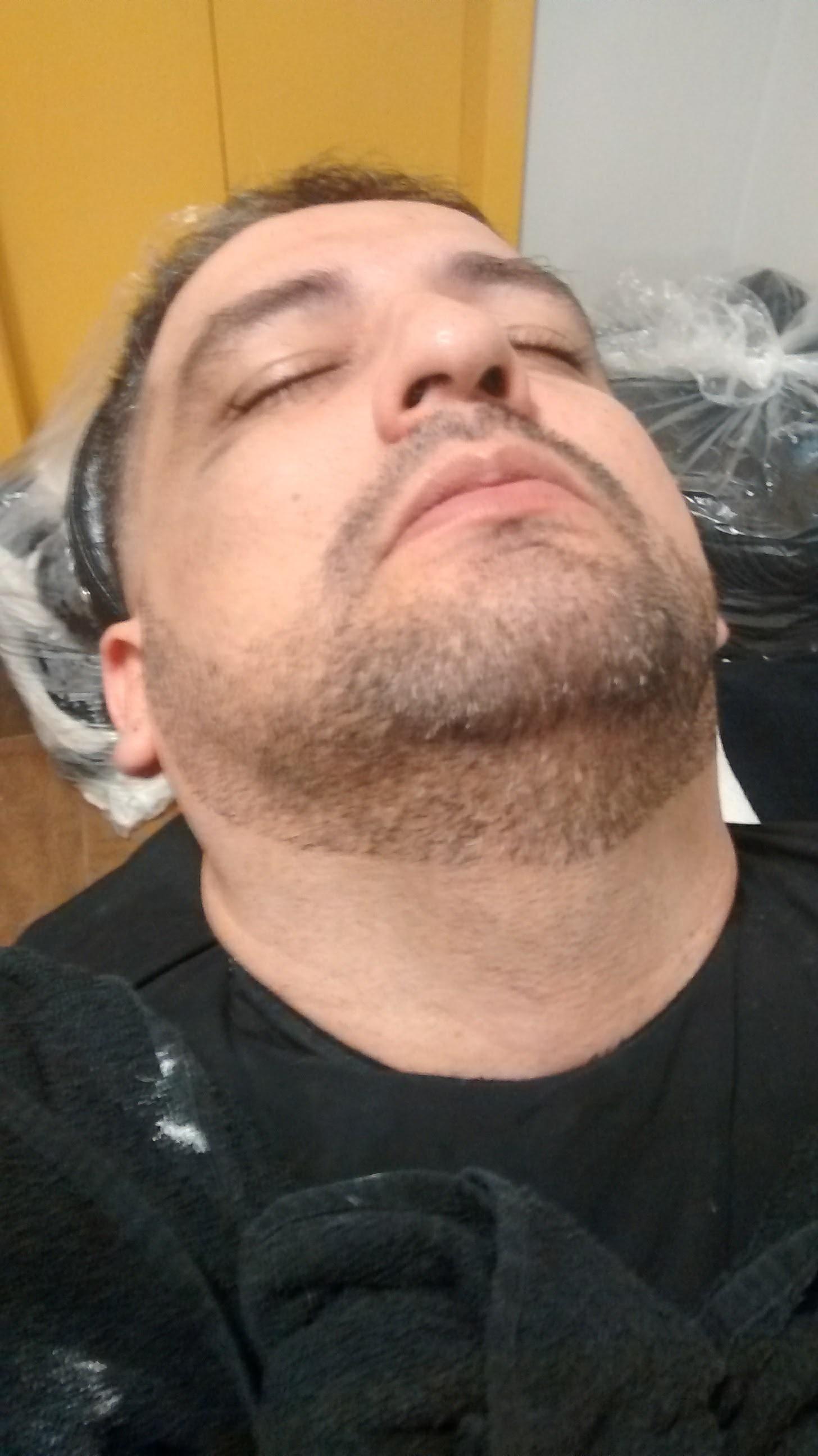 Finalizando Barba - #barbabemfeita cabelo barbeiro(a)