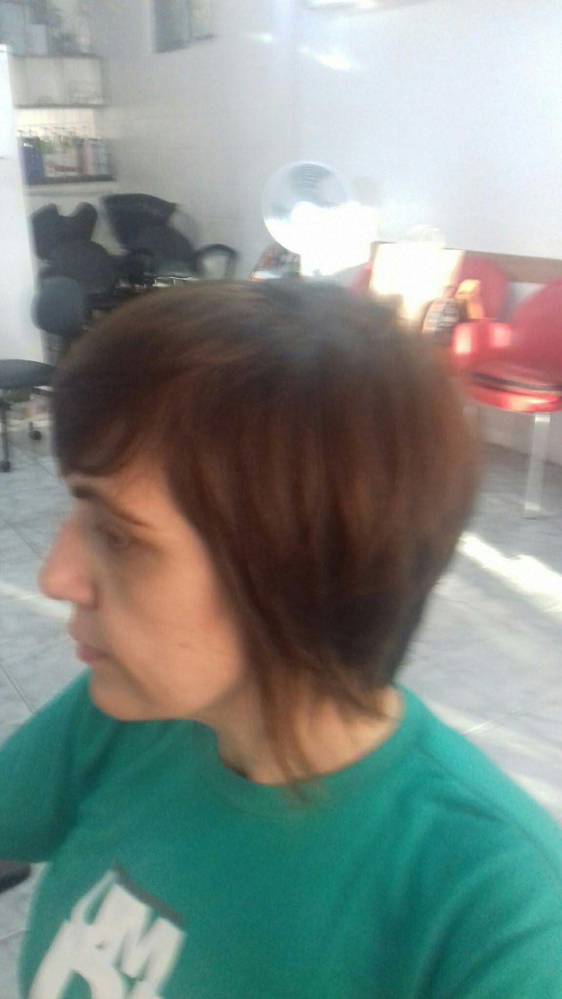 Curto na navalha cabeleireiro(a)