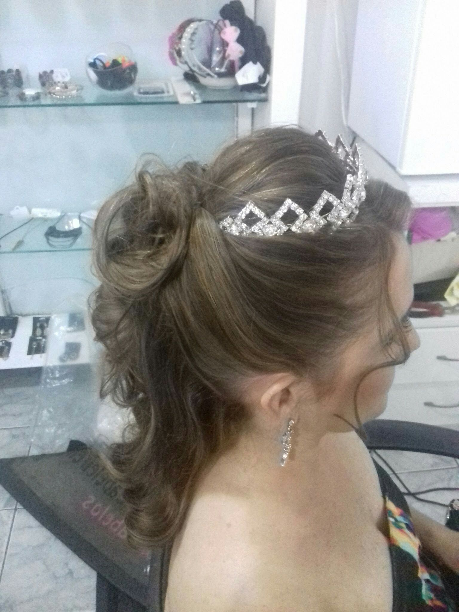 Noiva linda cabeleireiro(a)
