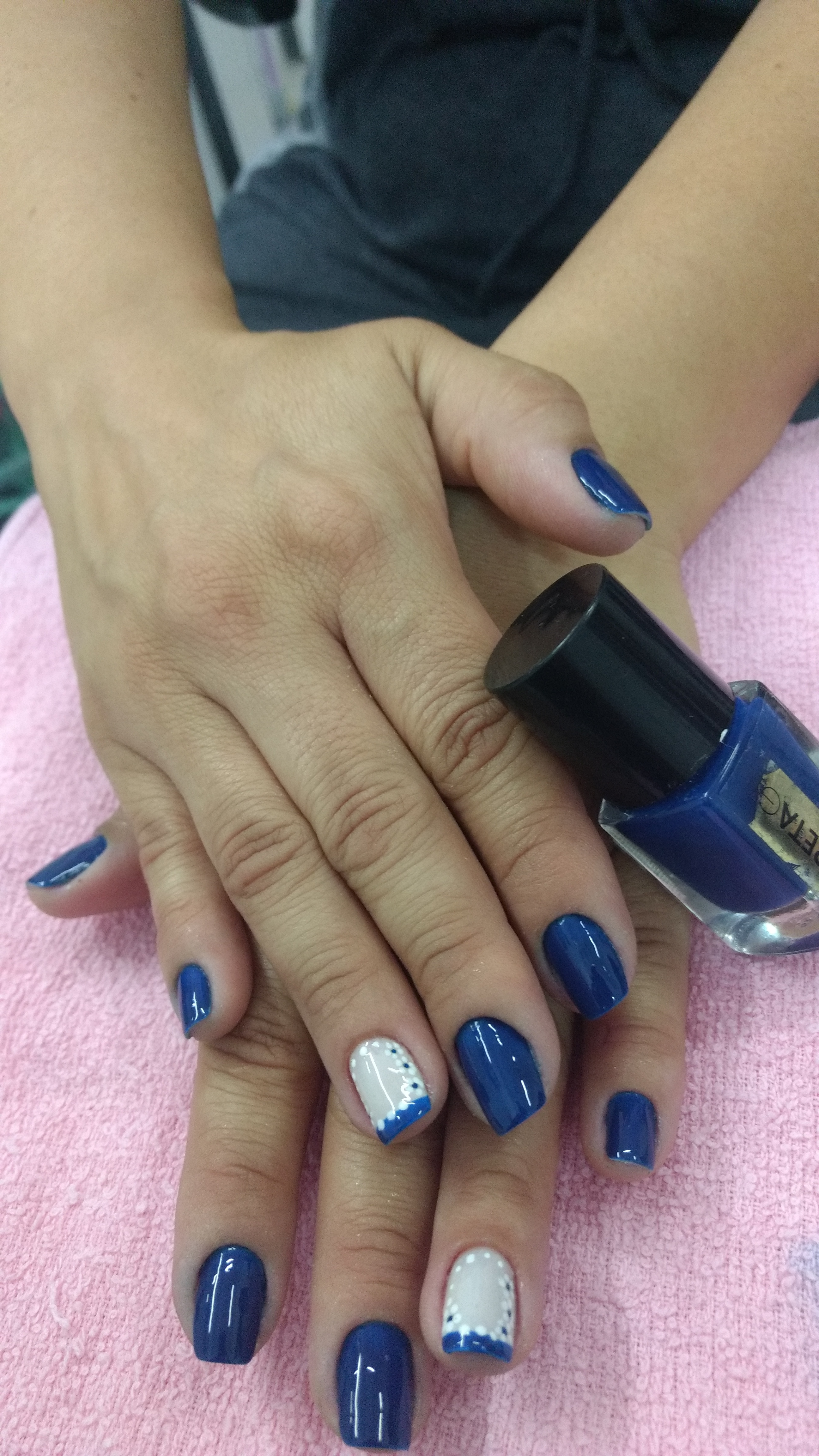 Simples e decorada!   #pincel 🌸 unha recepcionista manicure e pedicure
