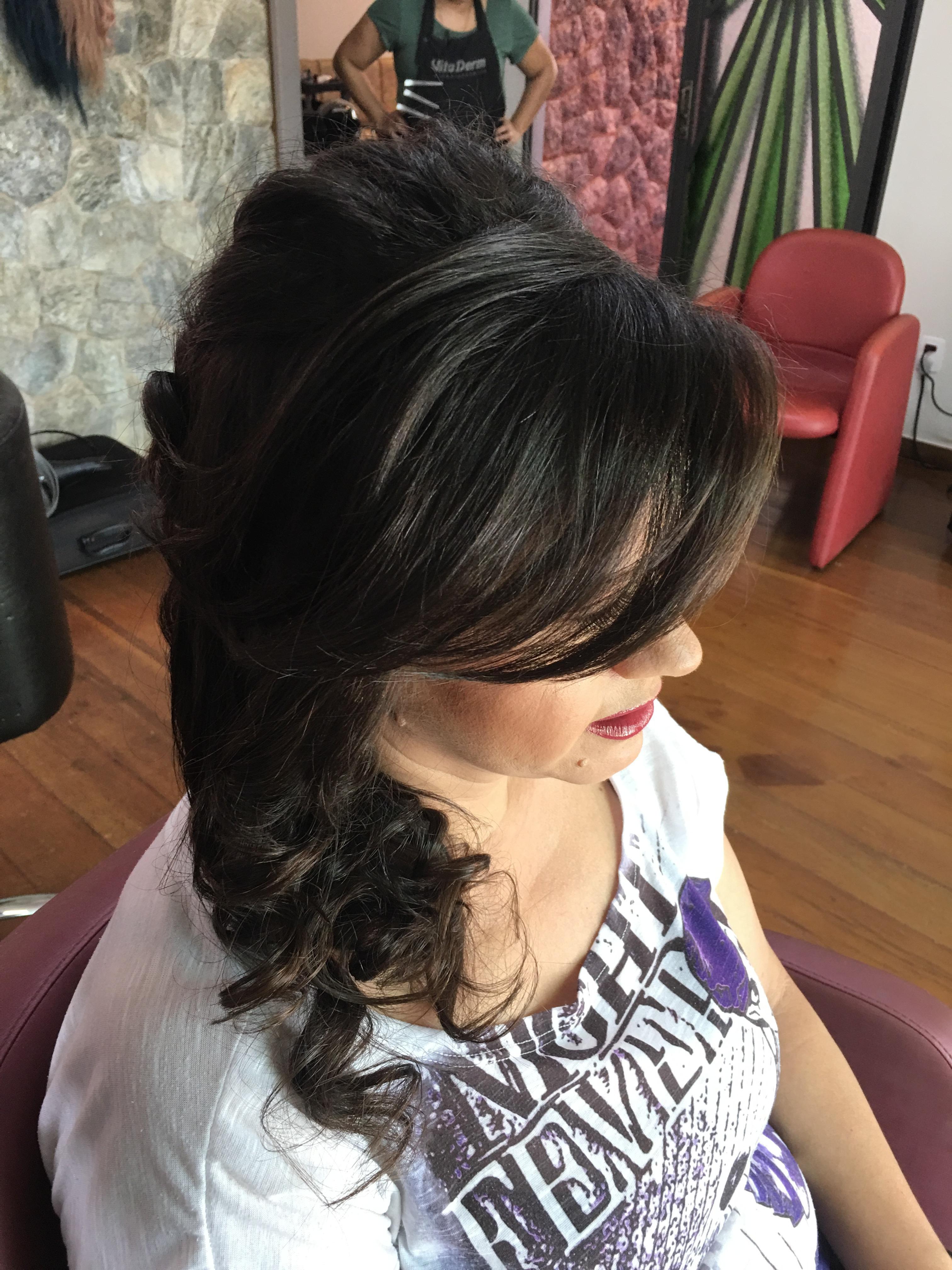 Penteado trança lateral  cabelo cabeleireiro(a)