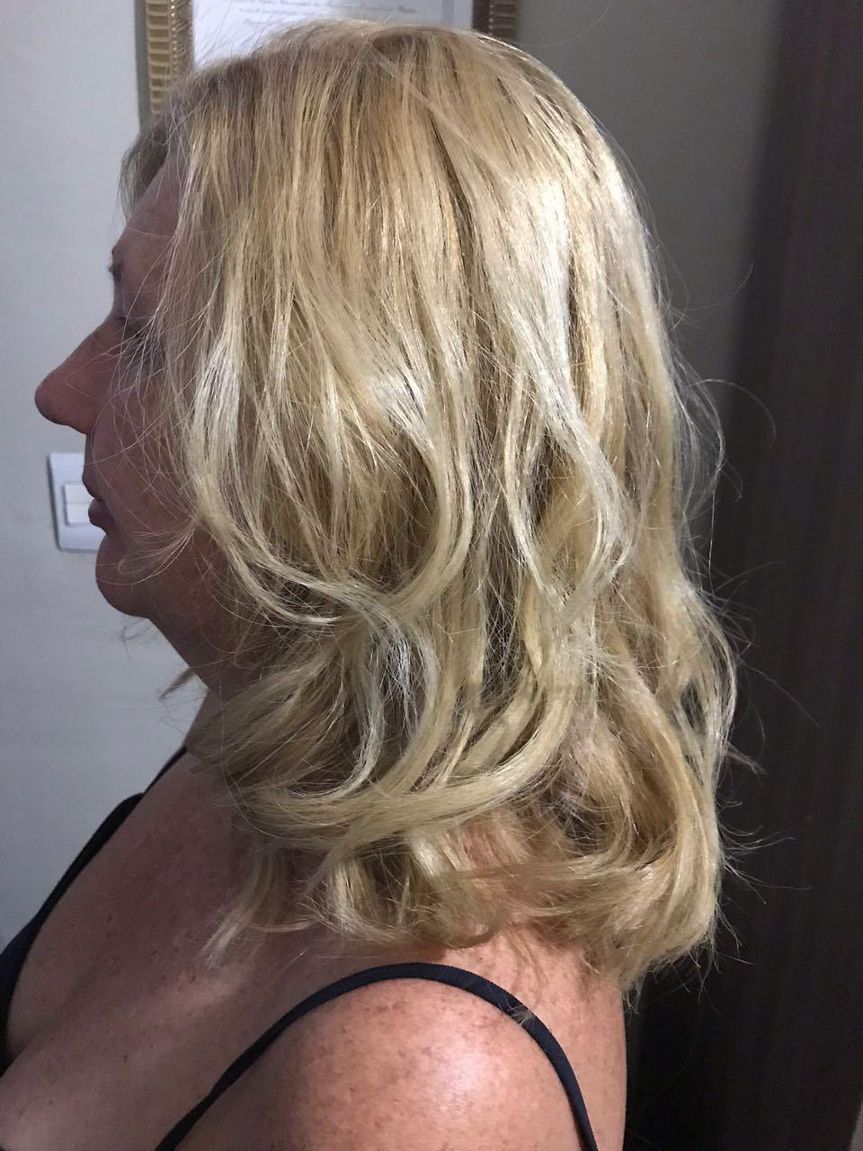 Coloração clássica (retoque de raiz) com Majirel High Lift de @lorealpro + Escova Modelada. Clientes que desejam louros puros e frios, para uma cor global ou parcial. #porquevocevalemuito #lorealpro #lorealbrasil #lorealparis #lorealcolor cabelo estudante (cabeleireiro) auxiliar cabeleireiro(a) cabeleireiro(a)