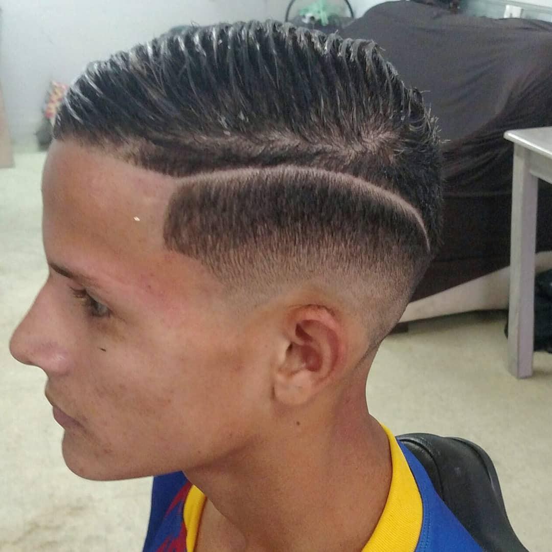 #Degradê #risco #Navalha #Euamoserbarbeiro cabelo barbeiro(a) auxiliar de limpeza auxiliar cabeleireiro(a)