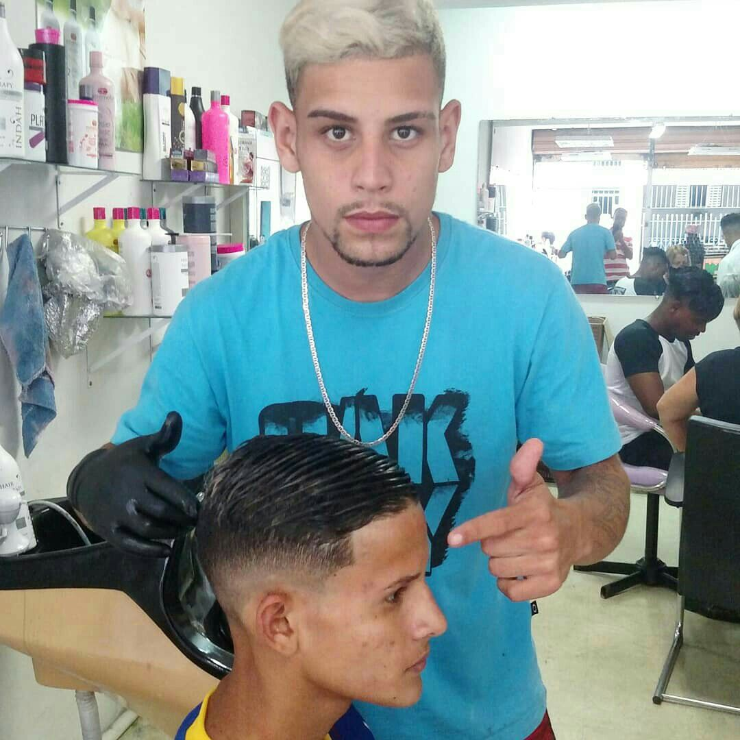 cabelo barbeiro(a) auxiliar de limpeza auxiliar cabeleireiro(a)