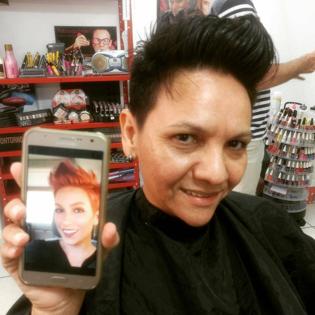 Feminino cabelo barbeiro(a)