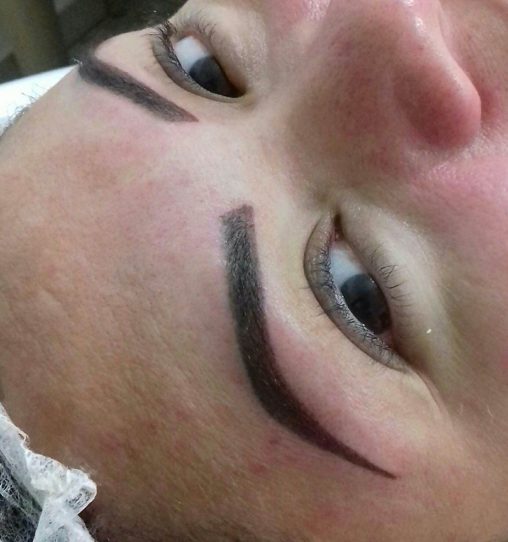 designer de sobrancelhas dermopigmentador(a) depilador(a) micropigmentador(a) esteticista