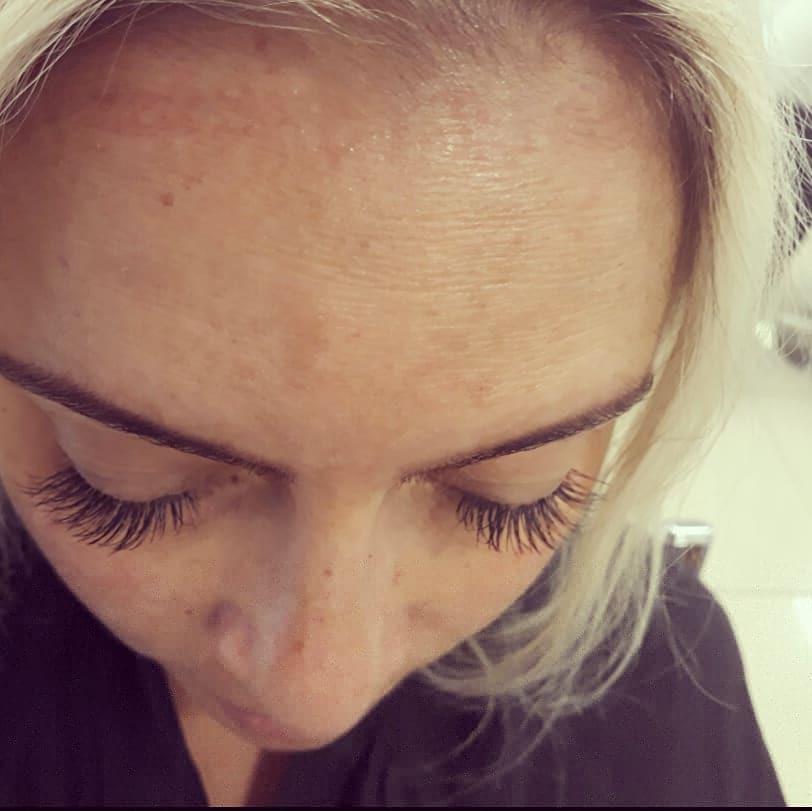 Extensão clássica com cílios mink!! 😙 estética micropigmentador(a) designer de sobrancelhas maquiador(a)