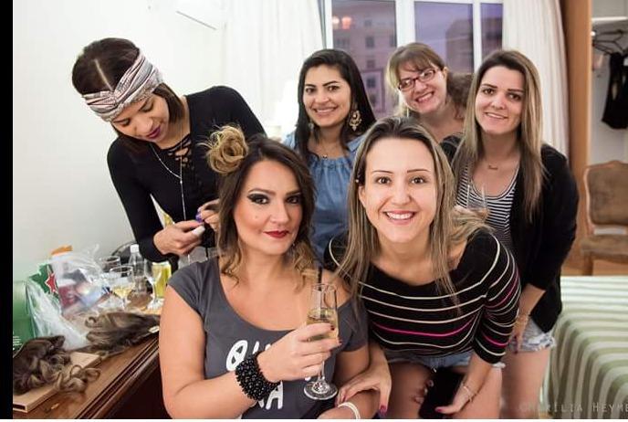 Maquiagem e penteado . Cantora Tais Duran. outros cabeleireiro(a) manicure e pedicure depilador(a) designer de sobrancelhas
