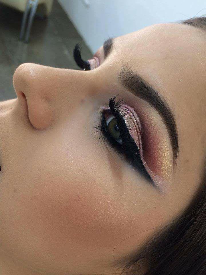 maquiagem estudante (esteticista) micropigmentador(a) auxiliar administrativo maquiador(a) designer de sobrancelhas