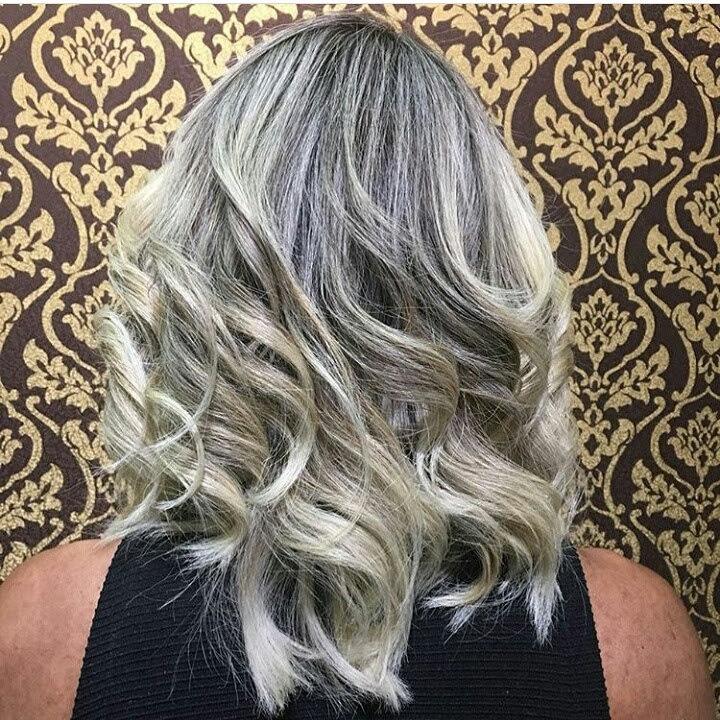 #cabelosloiros#correçãodecor#mechascriativas#blondhair#ombrehair cabelo cabeleireiro(a) maquiador(a)