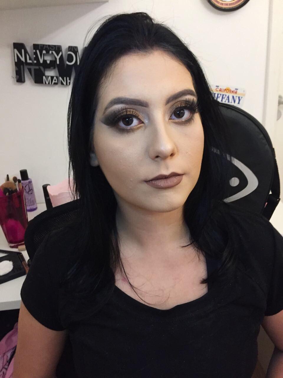 maquiagem estudante (esteticista) biomédico(a) maquiador(a)