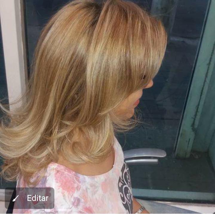 Técnica limpeza dos fios  , luzes tricotada com transparência  cabelo auxiliar cabeleireiro(a)