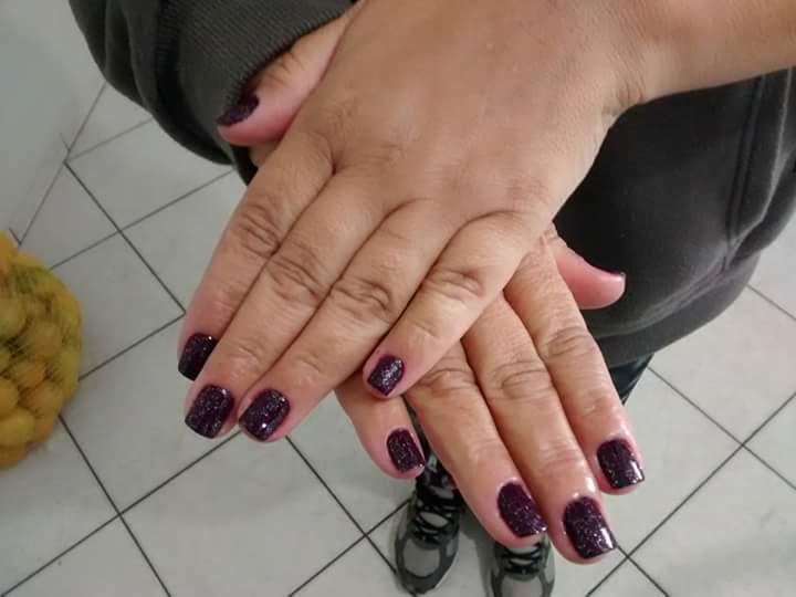Cutilacao e esmaltação. unha manicure e pedicure