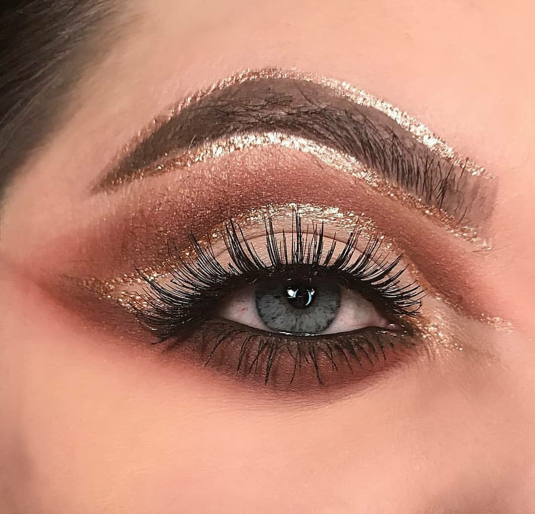 #makeup #makeupeditorial #lovemakeup #makemagazine #beauty #woman #beautygirl #maquiagem #maquiagemeditorial #amomaquiagem #maquiagemderevista #beleza #mulher #belezafeminina #makenoiva #makemadrinha #makeformanda #noivas #madrinhas #formanda #makebrasil #makesp #carnaval #makecarnaval maquiagem maquiador(a)