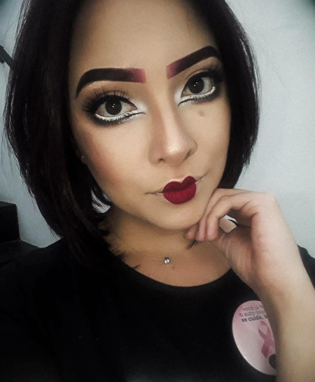 #makeup #makeupeditorial #lovemakeup #makemagazine #beauty #woman #beautygirl #maquiagem #maquiagemeditorial #amomaquiagem #maquiagemderevista #beleza #mulher #belezafeminina #makenoiva #makemadrinha #makeformanda #noivas #madrinhas #formanda #makebrasil #makesp #makeartistica #boneca #makeboneca maquiagem maquiador(a)