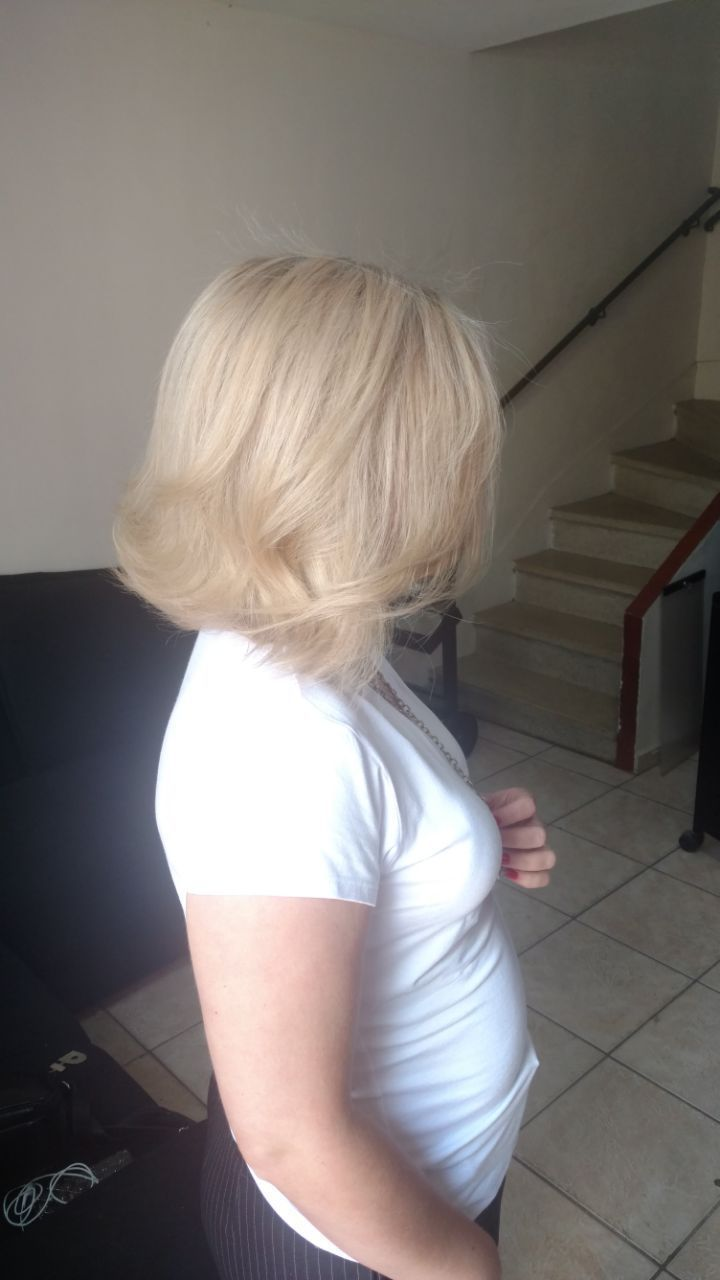 Correção. cabelo auxiliar cabeleireiro(a)