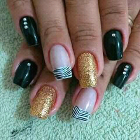 Sou manicure profissional tenho experiência   unha manicure e pedicure