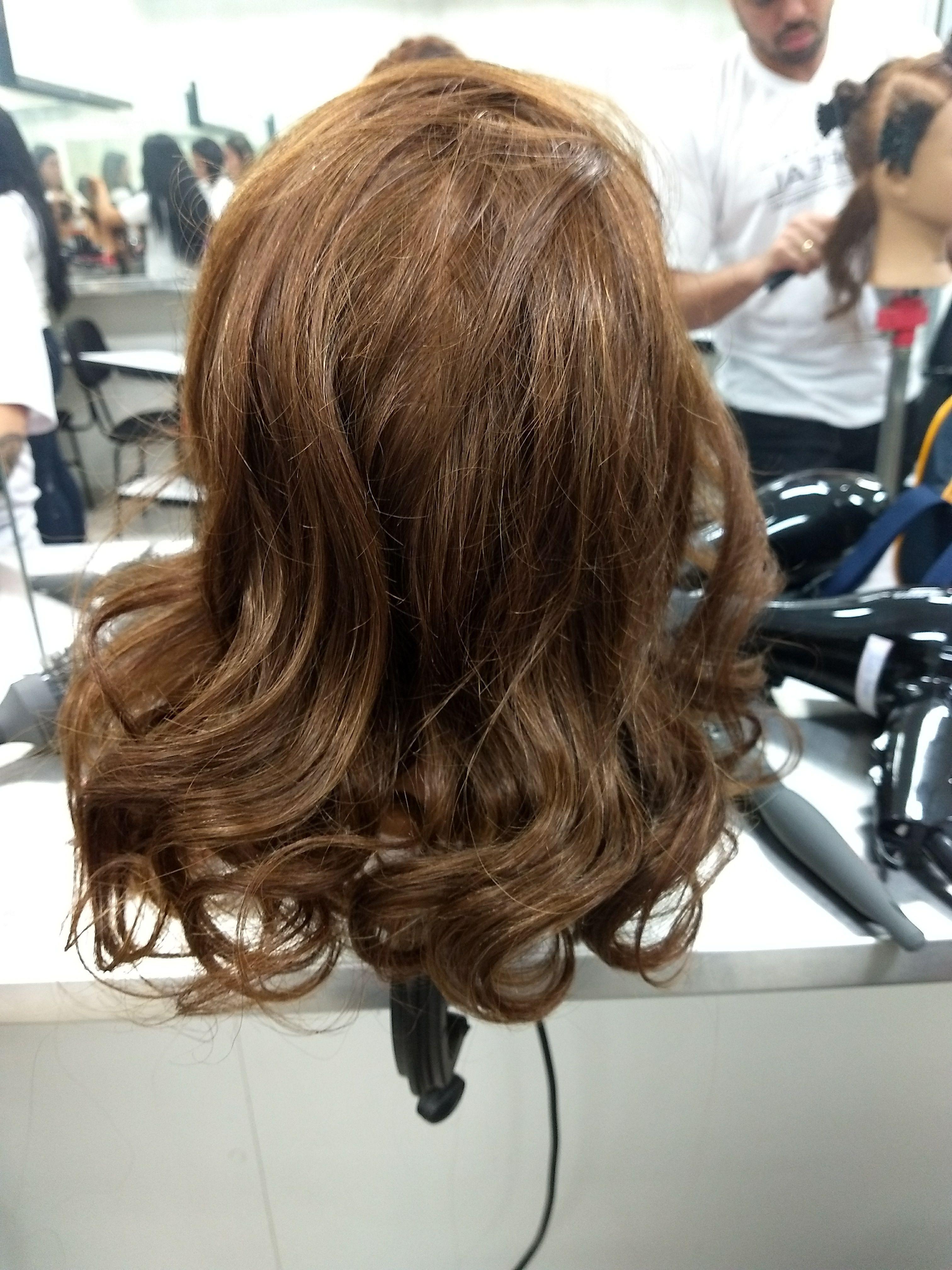 Escova modelada 90° cabelo auxiliar cabeleireiro(a) auxiliar cabeleireiro(a)