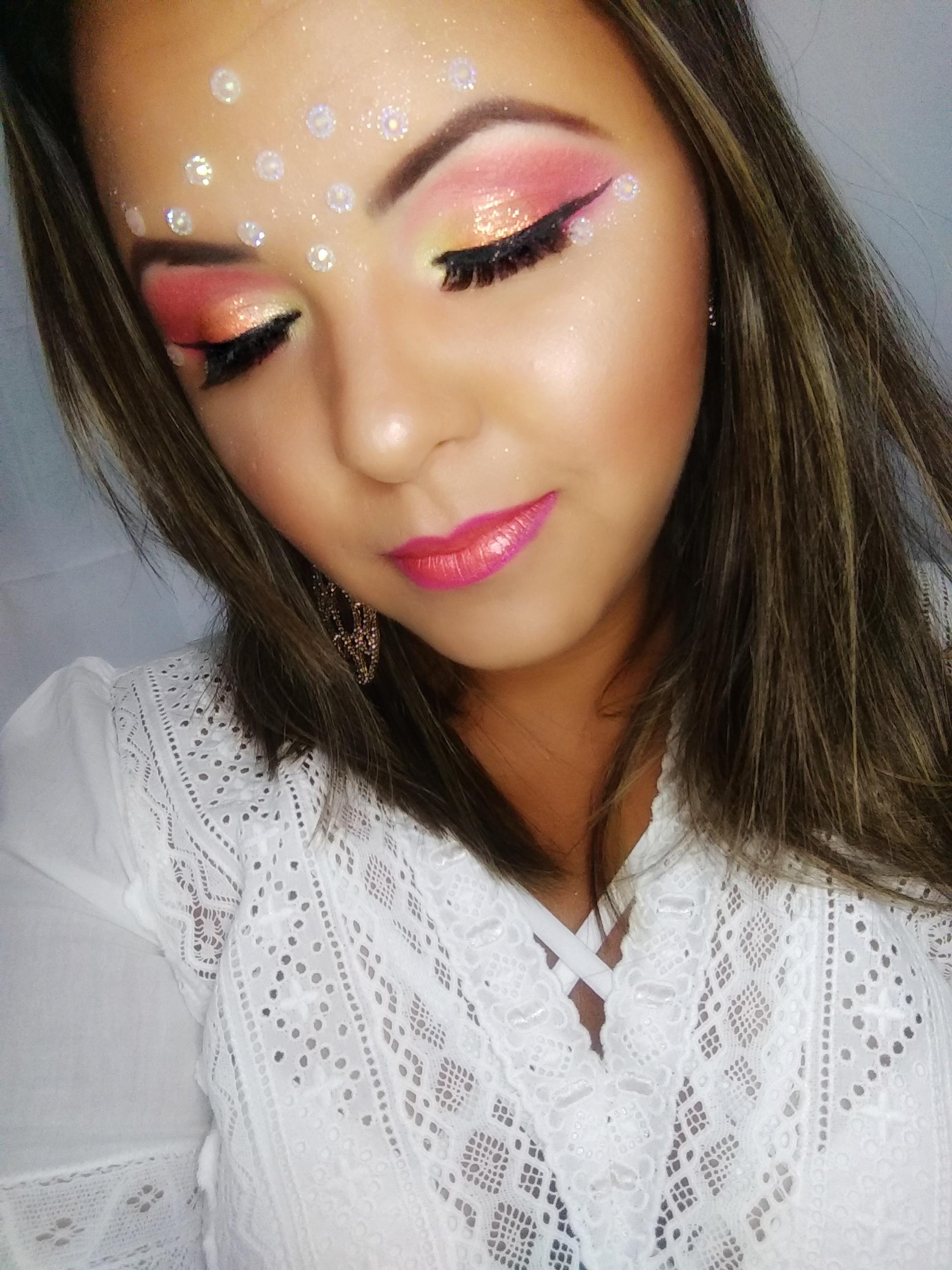 Make Carnaval! maquiagem maquiador(a) designer de sobrancelhas