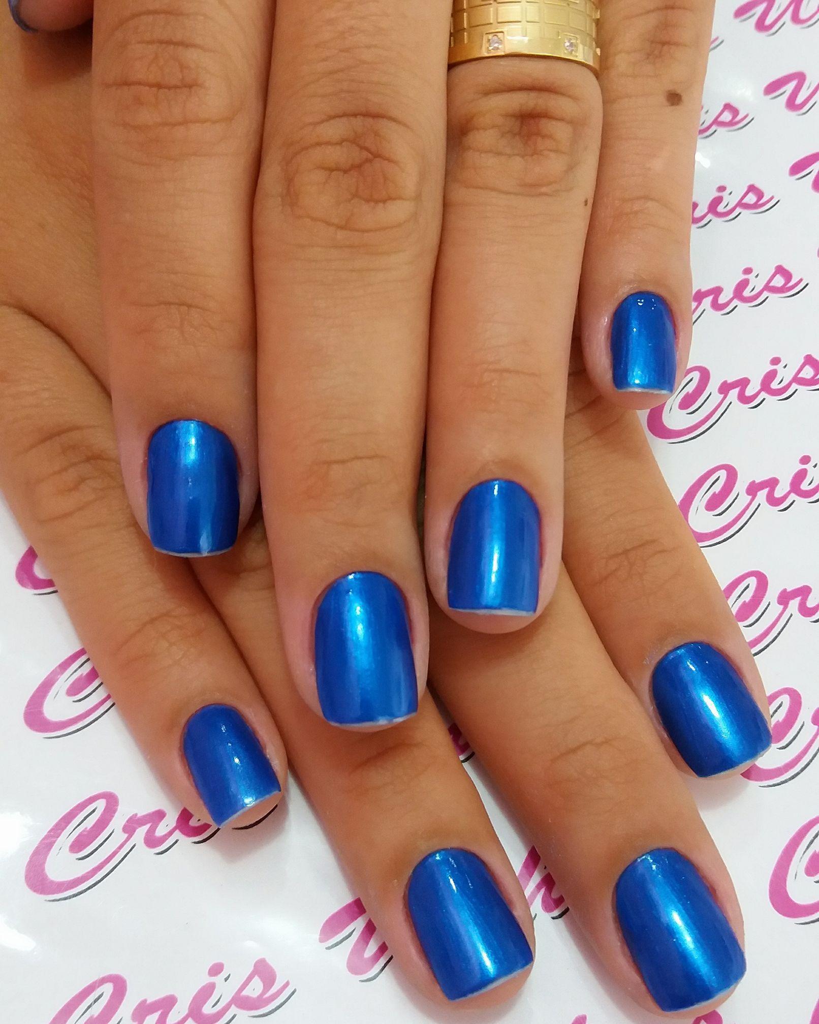 Unha cutilada e esmaltada. #Azul unha manicure e pedicure