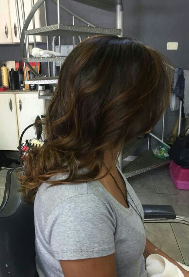 Morena iluminada cabelo cabeleireiro(a) micropigmentador(a)