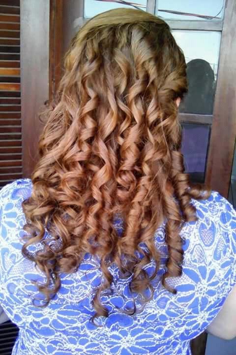 Penteado cabelo auxiliar cabeleireiro(a) recepcionista