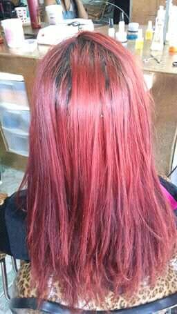 Antes da coloração vermelha com rosa cabelo auxiliar cabeleireiro(a) auxiliar cabeleireiro(a) auxiliar cabeleireiro(a)