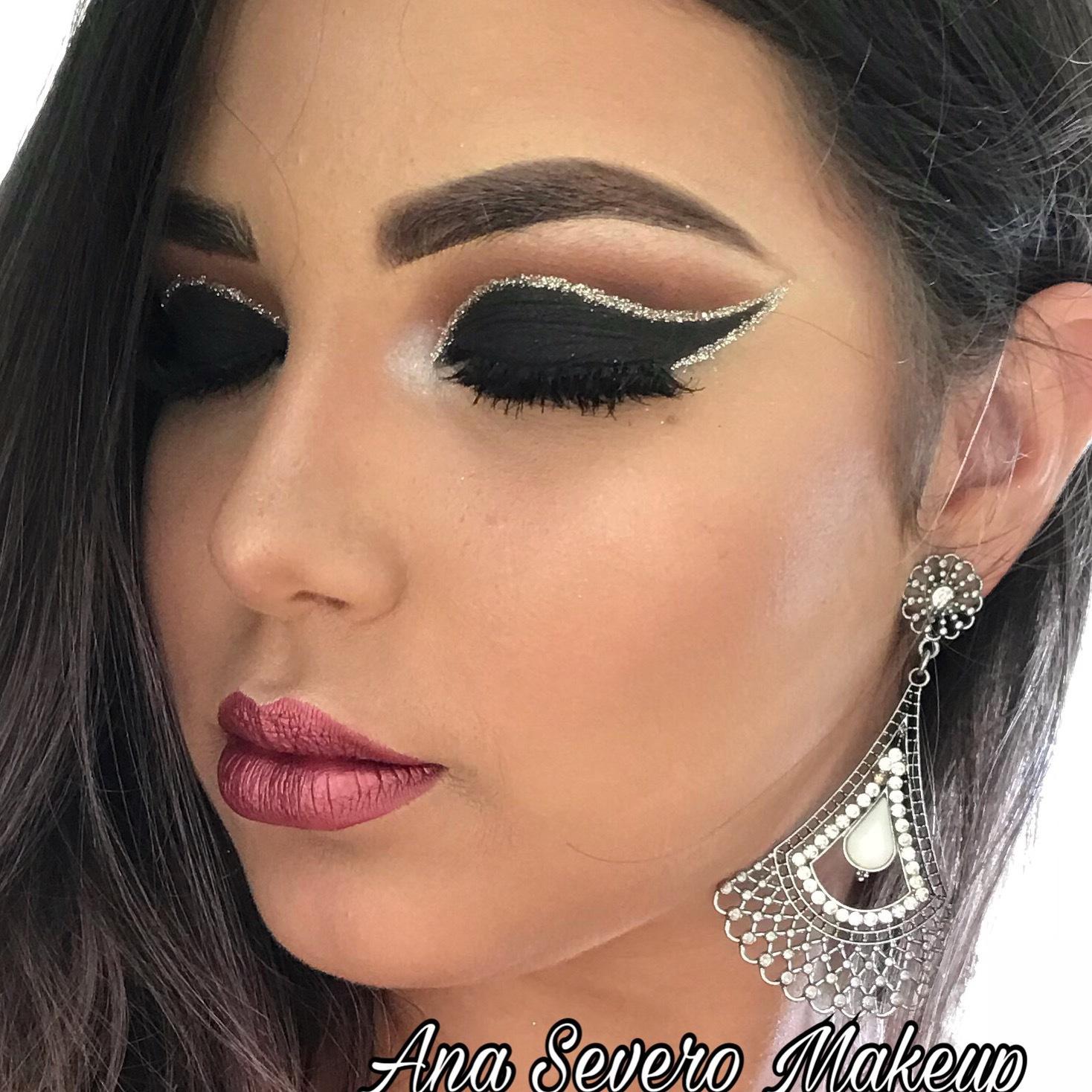 Cut crease com fita de glitter #cutglitter maquiagem maquiador(a) designer de sobrancelhas